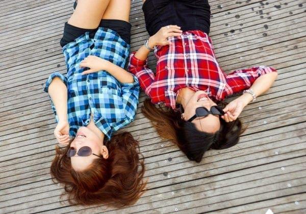 Le 50 più belle frasi sulle amiche