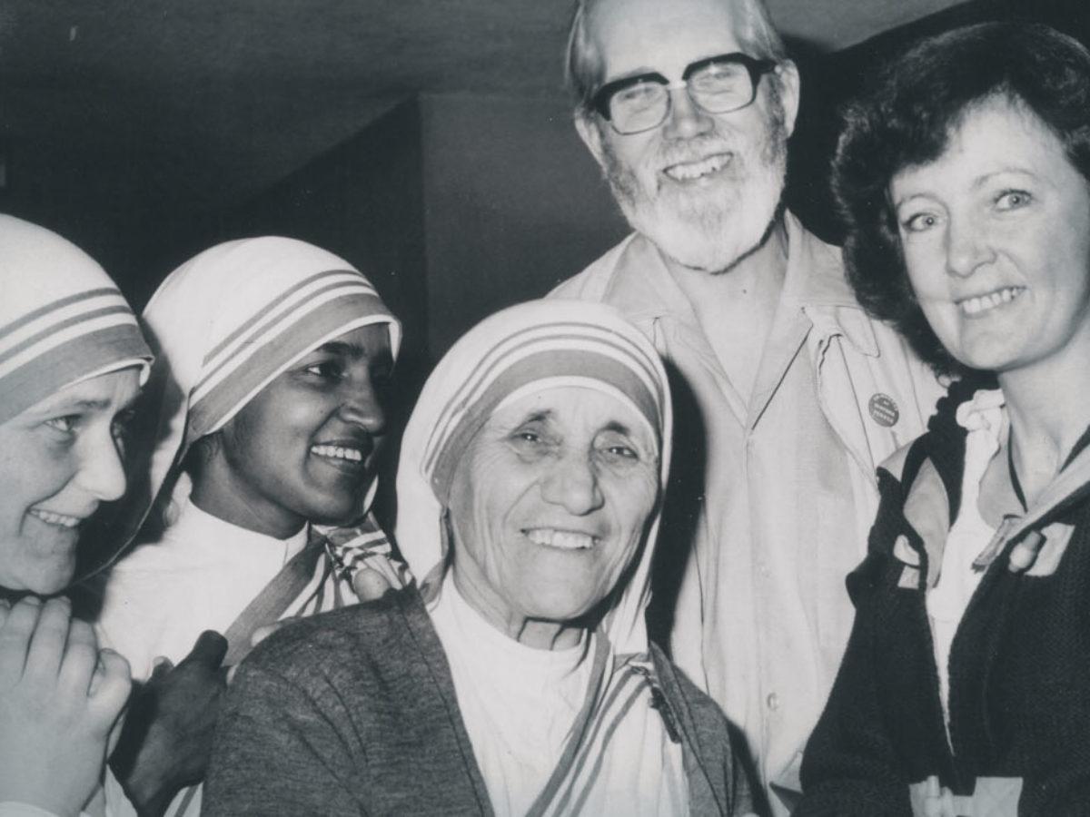 Le 12 Piu Belle Frasi Di Madre Teresa Di Calcutta Sulla Famiglia E
