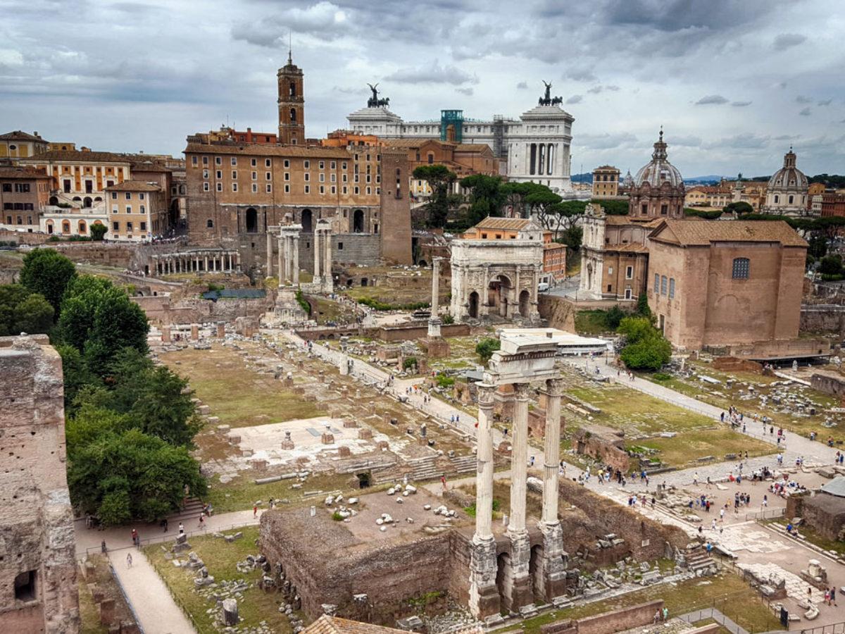 Frasi In Latino Su Roma Le 25 Piu Belle E Famose Con Traduzione