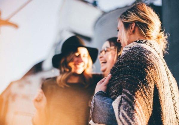 Le 25 più belle frasi sull'amicizia a distanza