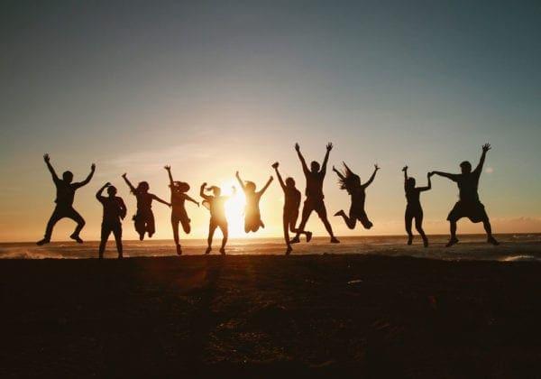 Frasi sull'amicizia divertenti: le 35 più belle e spiritose