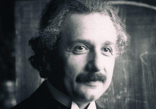 Frasi di Einstein in Inglese: le 25 più belle (con traduzione)