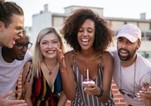 Frasi di Buon Compleanno in Francese: le 35 più belle (con traduzione)