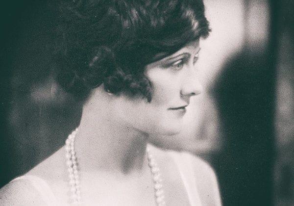 Le 45 più belle frasi di Coco Chanel sull'Eleganza, le Donne e la Vita