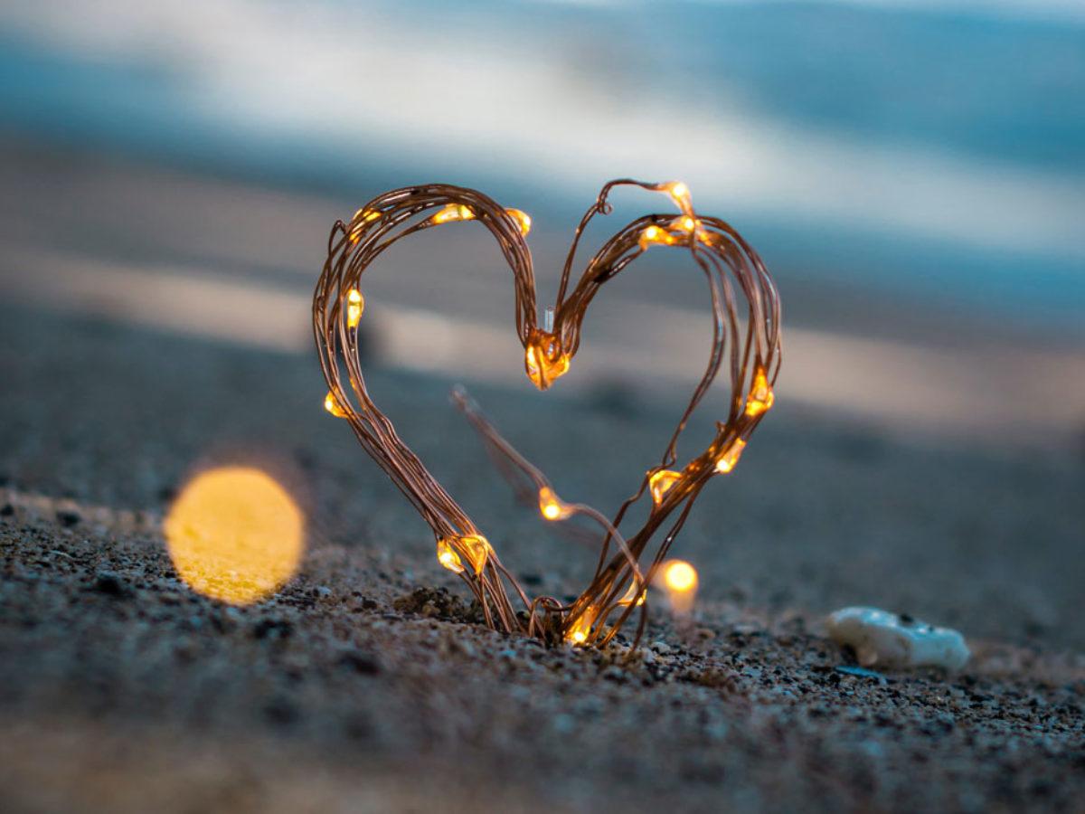 Frasi Per Dire Mi Manchi Amore Mio Le 100 Piu Belle E Romantiche