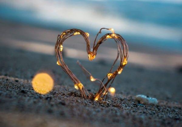 """Frasi per dire """"Mi manchi Amore mio"""": le 75 più belle e passionali"""