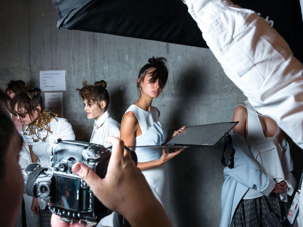 Vestiti Eleganti In Inglese.Le 30 Piu Belle Frasi Sulla Moda In Inglese E Italiano
