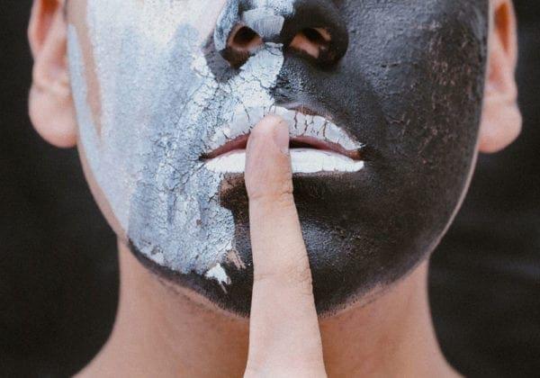 Le 35 più belle frasi sul Silenzio in Inglese (con traduzione)