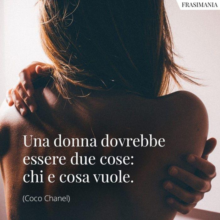 Frasi donna essere Chanel
