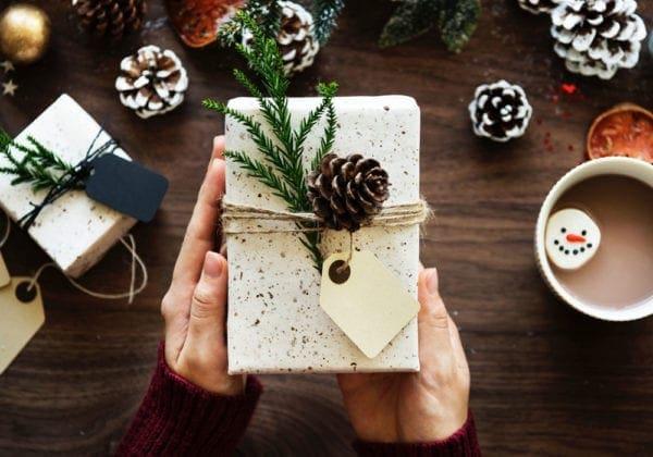 Auguri di Buone Feste: le 45 frasi più belle (natalizie, originali e formali)