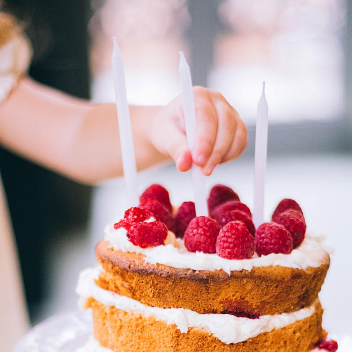 Buon Compleanno Mamma Lontana.Frasi Di Auguri Di Buon Compleanno Per La Mamma Le 50 Piu Belle