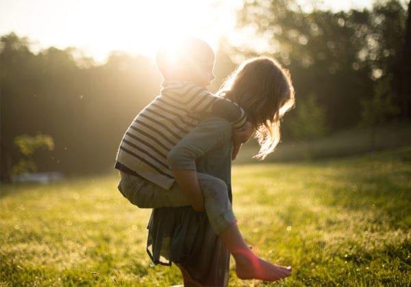 Frasi sui Fratelli e sulle Sorelle (brevi): le 35 più belle