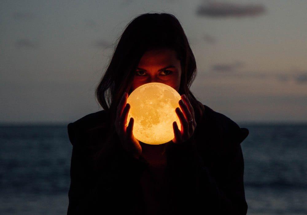 Poesie sulla Luna
