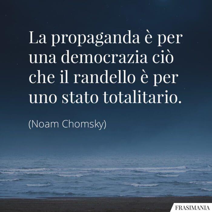 Frasi propaganda democrazia Chomsky